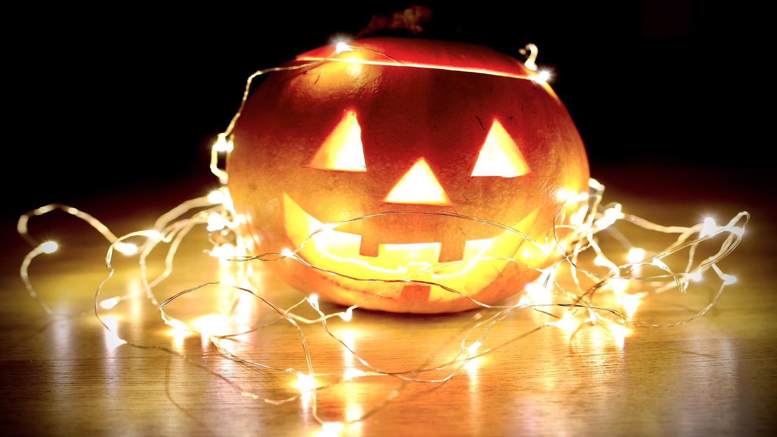 10 Beginner-Friendly Horror Movies To Binge-Watch This Halloween