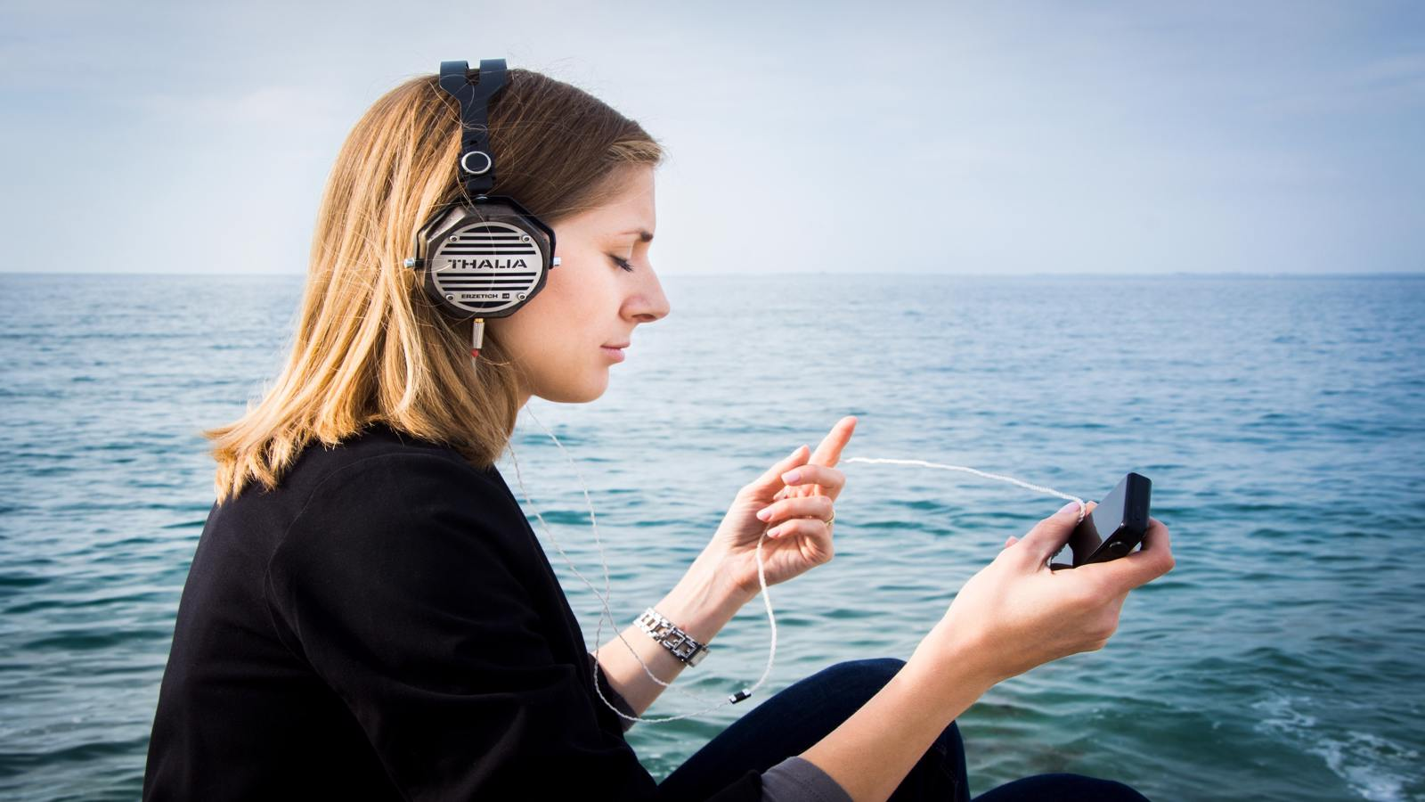 Sing Your Way to Fluency: 5 Modern Songs For Learning English Grammar